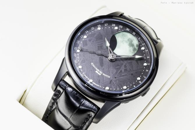 schaumburg_moon_meteorite_sm-34