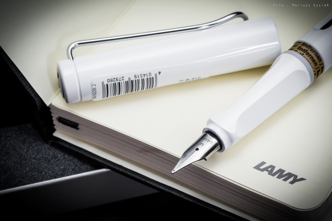 lamy_safari_white_sm-3