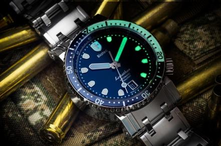Biatec-Leviathan-diving-watch-luminous-02