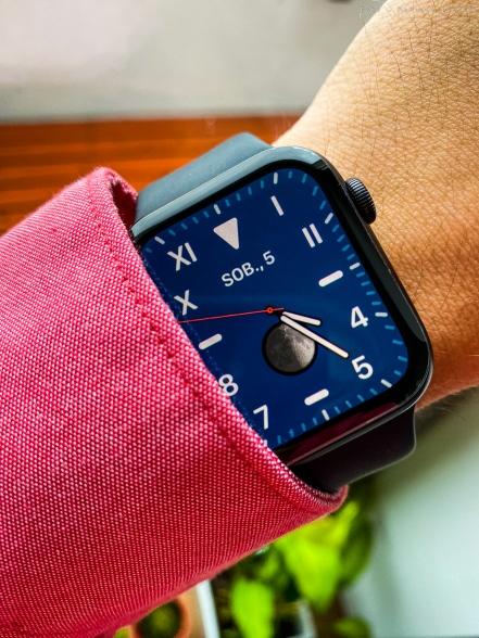 apple_watch5_sm-4